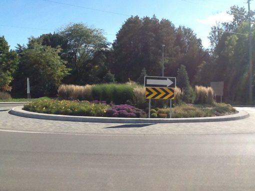 Poplar Sideroad Roundabout, Collingwood